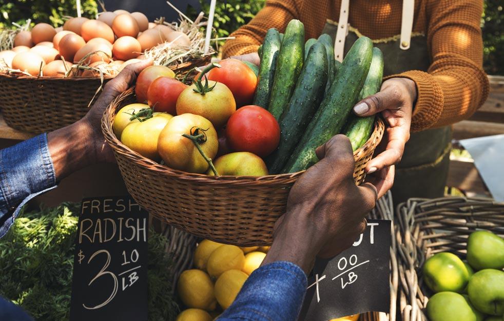 Organic Produce: Farmers Market