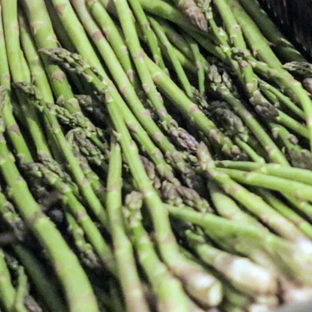Organic Produce: Asparagus